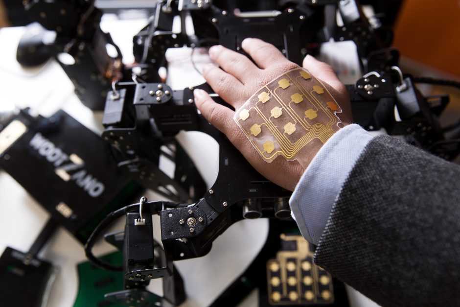 Electronic Skin Gives Robots the Human Touch